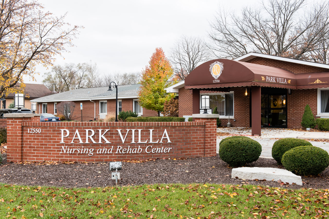 Park villa named best nursing home in illinois by u s for Home builders in southern illinois